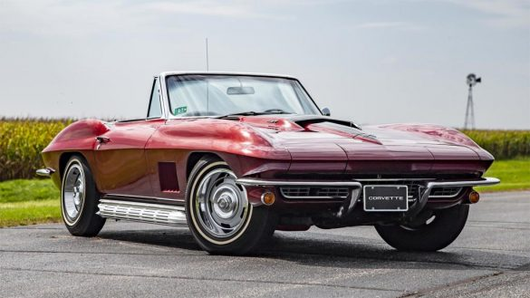 Auction Preview: These are the Best Corvettes Up for Grabs this Week at Mecum Chicago