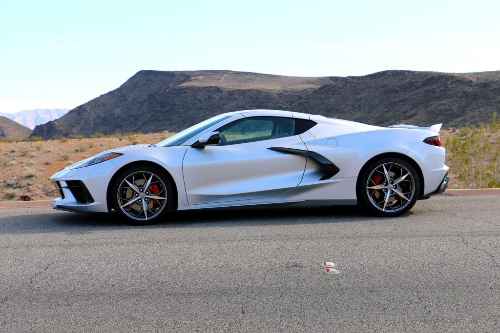 corvetteblogger drives the 2020 corvette stingray corvette sales news lifestyle 2020 corvette stingray