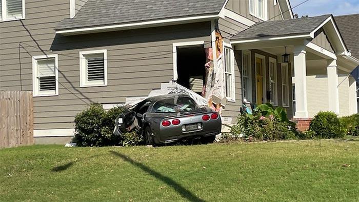 [ACCIDENT] C5 Corvette Crashes Into a Memphis Home